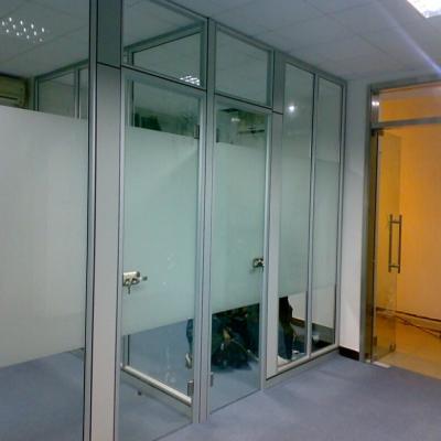 天津哪里定做玻璃隔断|天津办公家具厂